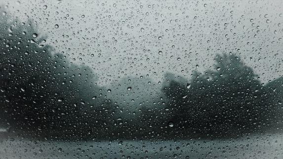 raindrops-828954_960_720.jpg